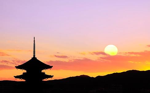 【京都府】東寺五重塔と夕日